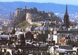 Панорама эдинбурга и вид на замок